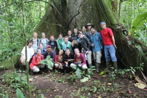 A group of teens led by two Aquarium staff hike in Costa Rica